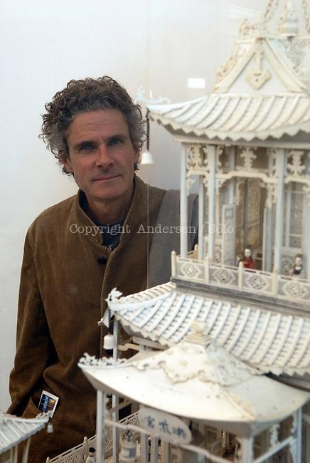 Bernard Cosendai, alias Cosey in the Guimet Museum, Paris.