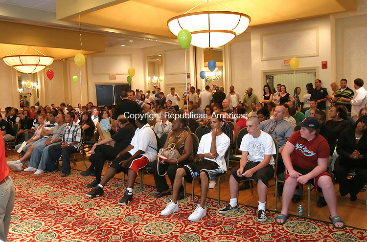 WATERBURY, CT, 07/31/08- 073108BZ08- Hundreds of people waited for on the spot interviews during a job fair for the CoCo Key Water Resort at the Holiday Inn in Waterbury. <br /> Jamison C. Bazinet Republican-America