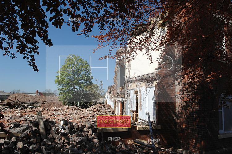 Blackpool 02.05.07.Devonshire Rd Hospital Demolition.
