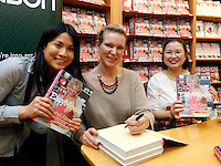 """*** NO FEE PIC ***.01/10/2011.Eason Ireland's leading retailer of books stationery, magazines & lots more hosted a book sigining by best selling cookery writer & TV cook Rachel Allen who signed copies of her new book """" Easy Meals"""" for fans (L to R)  Eleen Chan & Kit Mun both from Clonee.at Eason O' Connell St, Dublin..Photo: Gareth Chaney Collins"""
