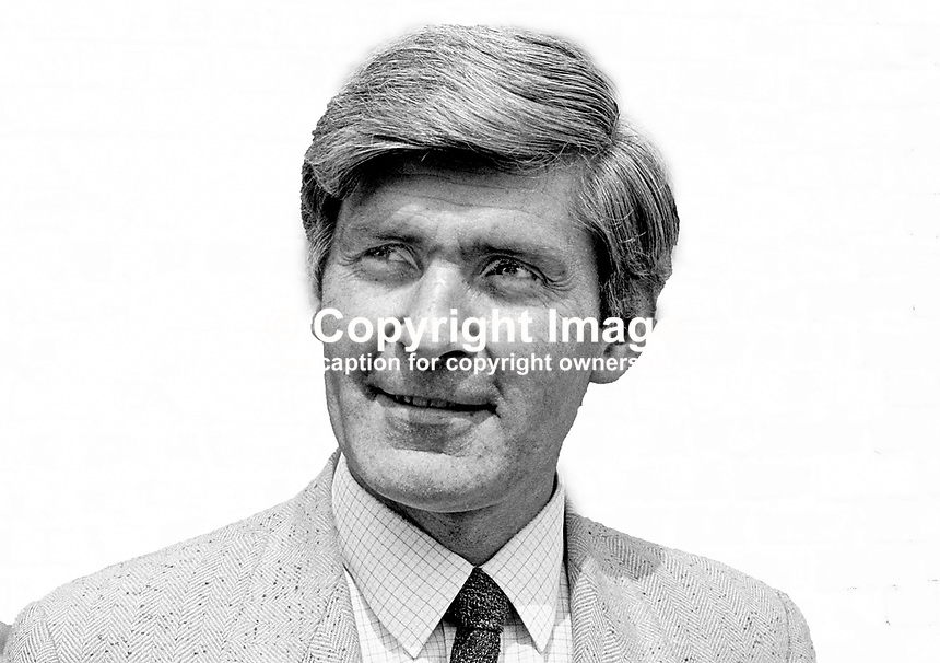 John McKeague, Belfast, N Ireland, UK, independent candidate, North Belfast, General Election, 1970. 197006000200BW.Copyright Image from Victor Patterson, 54 Dorchester Park, Belfast, UK, BT9 6RJ<br />