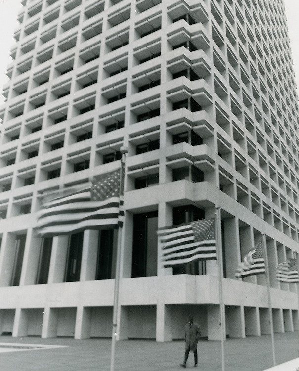 1969 February 19..Historical...Downtown South (R-9)..Virginia National Bank Building..Millard Arnold.NEG# MDA69-17-5.NRHA#..