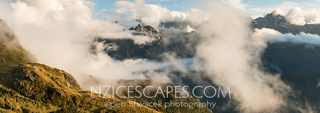 Alpine vistas with Southern Alps in clouds, Westland Tai Poutini National Park, West Coast, South Westland, UNESCO World Heritage Area, New Zealand, NZ