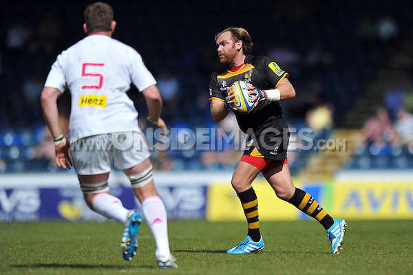 Andy Goode in possession. European Champions Cup play-off, between London Wasps and Stade Francais on May 18, 2014 at Adams Park in High Wycombe, England. Photo by: Patrick Khachfe / JMP