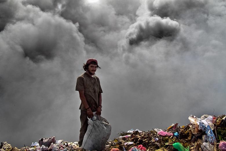 Burning Garbage Dump Garbage Dump la Chureca