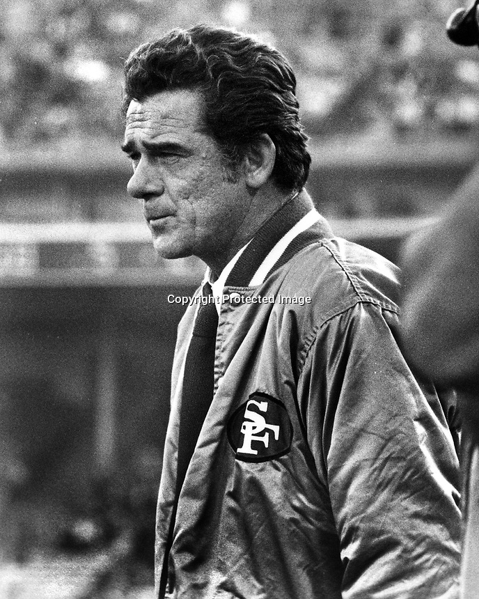 San Francisco 49er head coach Dick Nolan (1974 photo/Ron Riesterer)