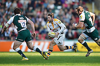 Elliot Daly of Wasps goes on the attack. Aviva Premiership match, between Leicester Tigers and Wasps on November 1, 2015 at Welford Road in Leicester, England. Photo by: Patrick Khachfe / Onside Images