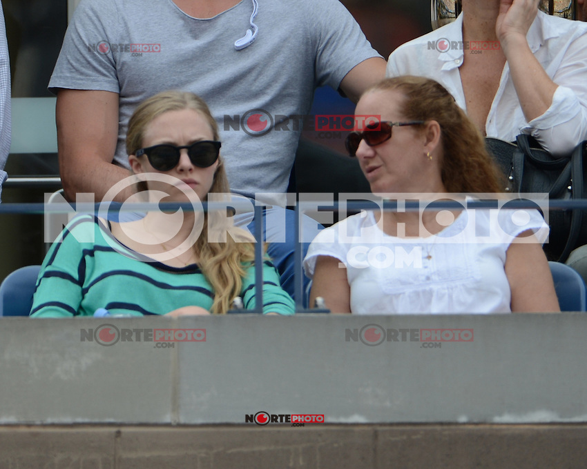 FLUSHING NY- SEPTEMBER 6: Amanda Seyfried is sighted watching the Ferrer Vs Tipsarevic match on Arthur Ashe stadium at the USTA Billie Jean King National Tennis Center on September 6, 2012 in in Flushing Queens. mpi04/MediaPunch Inc. ***NO NY NEWSPAPERS*** /NortePhoto.com<br />