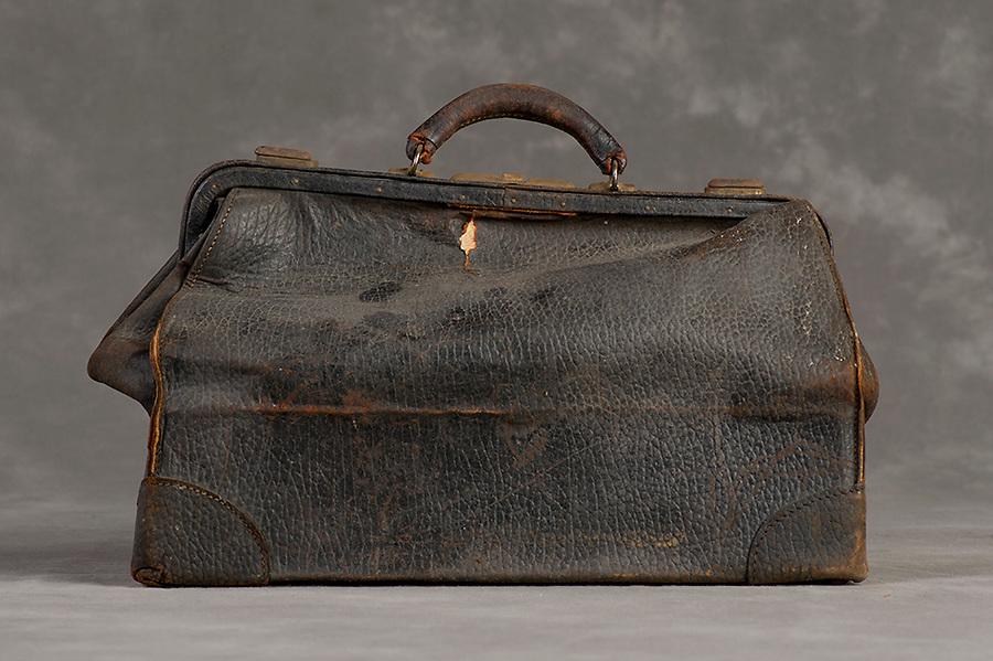 Willard Suitcases / Lyman H / ©2014 Jon Crispin