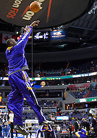 Kobe Bryant of the Lakers warms up prior to tip-off against the Washington Wizards at the Verizon Center in Washington, DC on Tuesday, December 14, 2010. Alan P. Santos/DC Sports Box