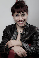 <br /> Quer&eacute;taro. Quer&eacute;taro. 7 de marzo de 2016.- En el marco de la conmemoraci&oacute;n del D&iacute;a Internacional de la Mujer. Esta casa editorial rinde tributo a mujeres de diferentes actividades importantes en el desarrollo de la din&aacute;mica cotidiana de su entorno.<br /> <br /> <br /> En la imagen Claudia Herrera, bailarina, coreografa y profesora de danza. Form&oacute; parte del Ballet Nacional de M&eacute;xico y actualmente es profesora de talleres en el CEART.<br /> <br /> <br /> En 1975 la ONU comenz&oacute; a celebrar ese a&ntilde;o, como el D&iacute;a Internacional de la Mujer. En diciembre de 1977, dos a&ntilde;os m&aacute;s tarde, la Asamblea General de la ONU proclam&oacute; el 8 de marzo como D&iacute;a Internacional por los Derechos de la Mujer y la Paz Internacional.<br /> <br /> <br /> <br /> De acuerdo a la ONU en su website, &quot;El D&iacute;a Internacional de la Mujer se refiere a las mujeres corrientes como art&iacute;fices de la historia y hunde sus ra&iacute;ces en la lucha plurisecular de la mujer por participar en la sociedad en pie de igualdad con el hombre.<br /> <br /> <br /> El tema de 2016 para el D&iacute;a Internacional de la Mujer es &laquo;Por un Planeta 50-50 en 2030: Demos el paso para la igualdad de g&eacute;nero&raquo;.<br /> <br /> El 8 de marzo la observancia de las Naciones Unidas reflexionar&aacute; sobre c&oacute;mo acelerar la Agenda 2030 para el desarrollo sostenible para impulsar la aplicaci&oacute;n efectiva de los nuevos Objetivos de Desarrollo Sostenible. Asimismo, se centrar&aacute; en nuevos compromisos de los gobiernos bajo la iniciativa &laquo;Demos el paso&raquo; de ONU Mujeres y otros compromisos existentes en materia de igualdad de g&eacute;nero, el empoderamiento de las mujeres y los derechos humanos de las mujeres.<br /> <br /> <br /> <br /> Foto: Demian Ch&aacute;vez / Obture Estudio.