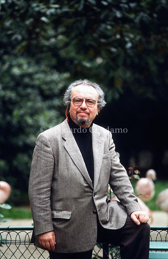 Guido Almansi (Milano, 1931 – Mendrisio, 10 luglio 2001) è stato un critico letterario, scrittore e traduttore italiano naturalizzato britannico. Milano, 1996. © Leonardo Cendamo