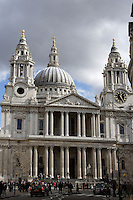 St Paul's Cathedral, 1675 - 1710, architect Sir Christopher Wren : Main entrance, late Renaissance style, with the two bell towers and the dome, one of the largest Cathedral domes in the world, 111 metres high, London, England, UK Picture by Manuel Cohen