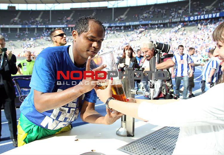 19.05.2013, Olympiastadion, Berlin,<br /> GER, 2.FBL, Hertha BSC Berlin, Energie Cottbus<br /> im Bild Ronny (Hertha BSC Berlin)<br /> <br /> <br /> <br /> Foto &copy; nph / Schulz