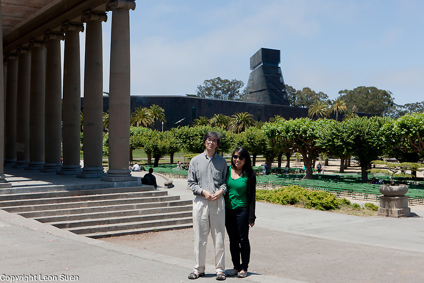 The de Young Museum in the background, where Si Wing works for the summer