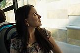 Protagonistin Nadja fährt mit dem Bus zur Arbeit in die Stadt und zurück, wenn Mann oder Freunde sie nicht mit dem Auto fahren können / 23 Jahre alt, wohnt in Moskau, HIV-infiziert, ausgebildete Sozialpädagogin, arbeitet einerseits im Baustoffhandel und ehrenamtlich in einer HIV-Beratungsstell