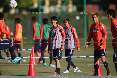 (L to R) .Shinji Kagawa (JPN), .Takashi Inui (JPN), .Keisuke Honda (JPN), .OCTOBER 14, 2012 - Football /Soccer : .Japan national team training .at Akademia Wychowania Fizycznego We Wroclawiu, .Wroclaw, Poland. .(Photo by YUTAKA/AFLO SPORT)