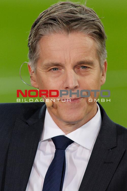 15.02.2014, BayArena , Leverkusen, GER, 1.FBL, Bayer 04 Leverkusen vs FC Schalke 04, im Bild: Jan Aage Fjoertoft (Sky Experte) Portrait, Portraet Hochformat<br /> <br /> Foto &not;&copy; nordphoto / Grimme