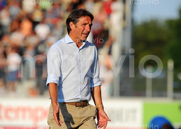 FUSSBALL  1. Bundesliga   2013/2014   Testspiel  FC Heidenheim - VfB Stuttgart   13.07.2013 Trainer Bruno Labbadia (VfB Stuttgart) nachdenklich