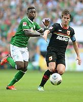 FUSSBALL   1. BUNDESLIGA   SAISON 2013/2014   2. SPIELTAG SV Werder Bremen - FC Augsburg       11.08.2013 Eljero Elia (li, SV Werder Bremen) gegen Paul Verhaegh (re, FC Augsburg)