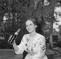 1964 Miss South Dakota, June Anne Delbridge and Pepsi