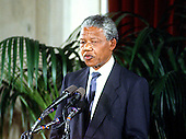 Washington, D.C. - June 25, 1990 -- Nelson Mandela, leader of the African National Congress (ANC) speaks at a United States Senate dinner in his honor in the Senate Caucus .Room in Washington, DC on Monday, June 25, 1990.  .Credit: Ron Sachs / CNP