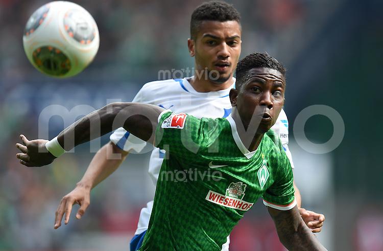 FUSSBALL   1. BUNDESLIGA   SAISON 2013/2014   31. SPIELTAG SV Werder Bremen - 1899 Hoffenhein                   19.04.2014 Eljero Elia (SV Werder Bremen) fixiert den Ball