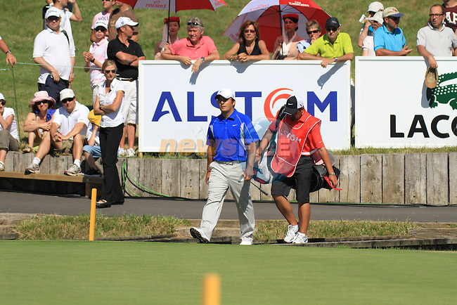 Francesco Molinari walking onto the 18th on the final day of the Alstom Open de France at .Golf National St Quentin en Yvelines, Paris France, 4/7/10.. Picture Fran Caffrey/www.golffile.ie