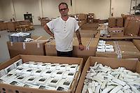 22 LUG 2004 Bollate: il carcere milanese di Bollate. Impianto di riciclaggio per rifiuti elettronici.JUL 22 2004 The prison of Bollate near Milan. Plant for the recycling of electronic material ..