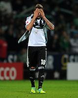 FUSSBALL   1. BUNDESLIGA   SAISON 2011/2012    16. SPIELTAG SV Werder Bremen - VfL Wolfsburg          10.12.2011 Mario Mandzukic (VfL Wolfsburg) nach dem Abpfiff enttaeuscht