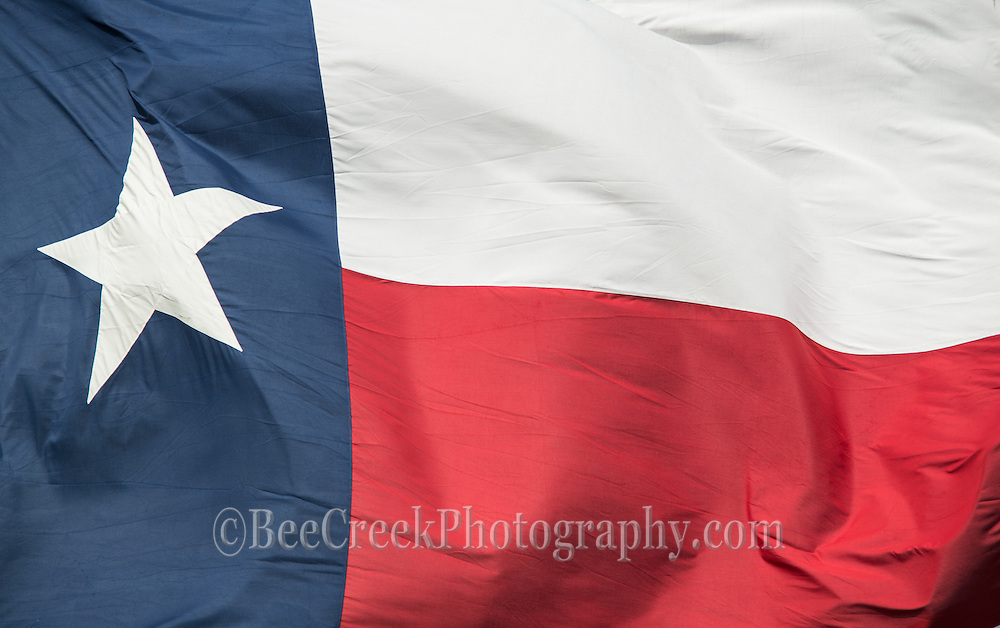 Texas Flag flappy in the breeze