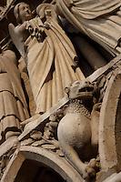 Lion and angels, Western façade (detail), Notre Dame de Paris, 1163 ? 1345, initiated by the bishop Maurice de Sully, Ile de la Cité, Paris, France. Picture by Manuel Cohen