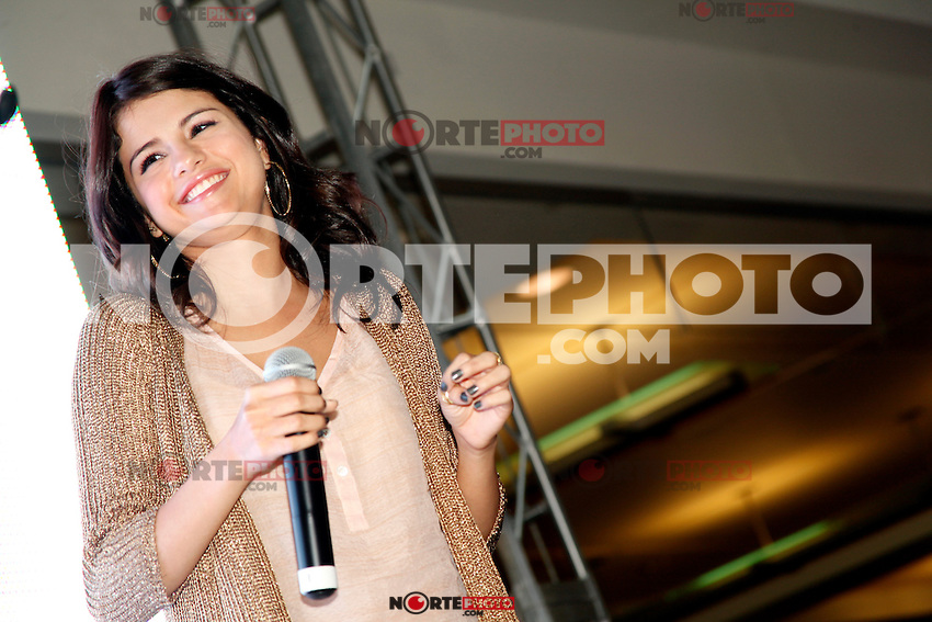 Selena Gomez pictured at a meet and greet at the King Of Prussia Mall in King Of Prussia, Pa for Monte Carlo  on June 20, 2011  &copy; Star Shooter / MediaPunchInc *NortePhoto.com*<br />