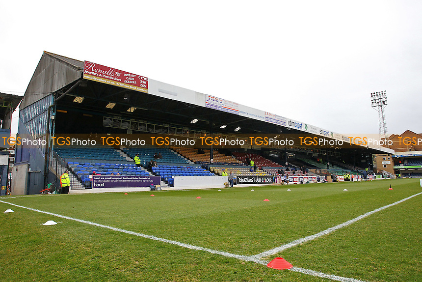 General view of the ground ahead of kick-off - Southend United vs Cambridge United - Sky Bet League Two Football at Roots Hall, Southend-on-Sea, Essex - 21/03/15 - MANDATORY CREDIT: Gavin Ellis/TGSPHOTO - Self billing applies where appropriate - contact@tgsphoto.co.uk - NO UNPAID USE