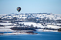 2014_12_28_hot_air_balloon_snow_carsington