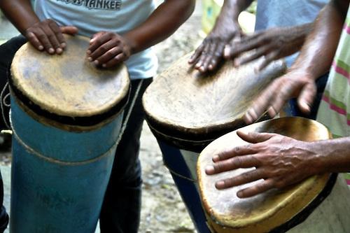 Música raíz, tambores de resistencia: impronta imperecedera de la identidad