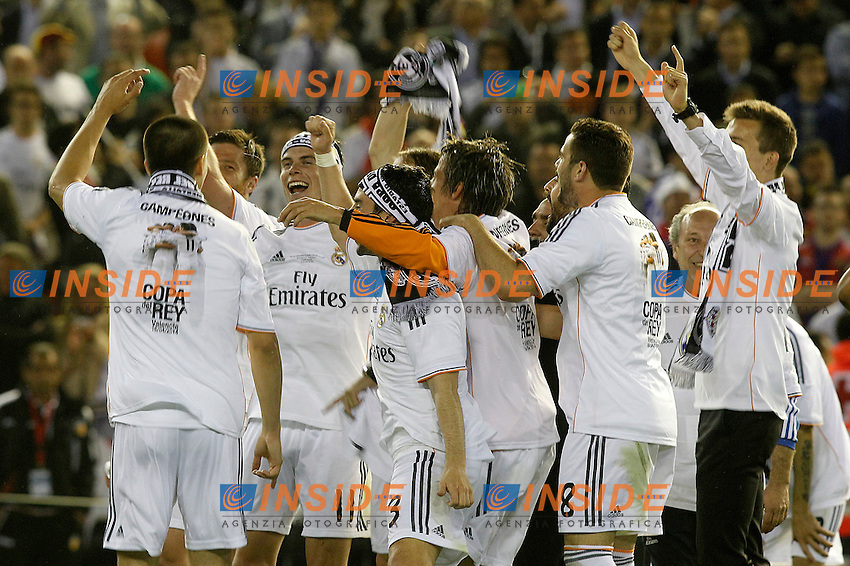 Real Madrid's Garet Bale celebrates with his partners the victory in the spanish KIng's Cup Final match.April 16,2014. (ALTERPHOTOS/Acero) <br /> Finale Coppa del Re<br /> Real Madrid Barcellona <br /> Foto Insidefoto