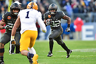 Baltimore, MD - DEC 10, 2016: Army Black Knights running back Kell Walker (32) in action during game between Army and Navy at M&T Bank Stadium, Baltimore, MD. (Photo by Phil Peters/Media Images International)