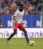 FUSSBALL   1. BUNDESLIGA   SAISON 2013/2014   4. SPIELTAG Hamburger SV - Eintracht Braunschweig                  31.08.2013 Johan Djourou (Hamburger SV)  am Ball