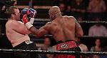 Óscar Rivas venció a Jeremiah Karpency por TKO en el 3er round, en Quebec (Canadá).