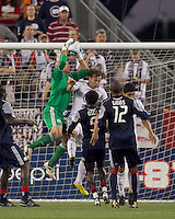 New England Revolution goalkeeper Matt Reis (1) on a corner kick. The New England Revolution defeated DC United, 1-0, at Gillette Stadium on August 7, 2010.