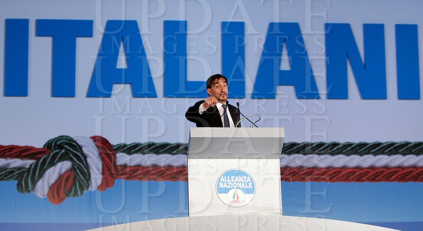 Il reggente Ignazio La Russa parla durante la prima giornata del  Congresso di Alleanza Nazionale a Roma, 21 marzo 2009..UPDATE IMAGES PRESS/Riccardo De Luca