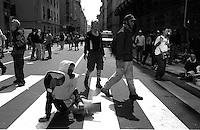 G8  Genova   20 Luglio 2001.Dopole cariche delle forze dell'ordine in via Tolemaide