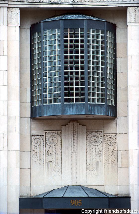 Austin:  905 Congress. Detail--Hoffmanesque Window.