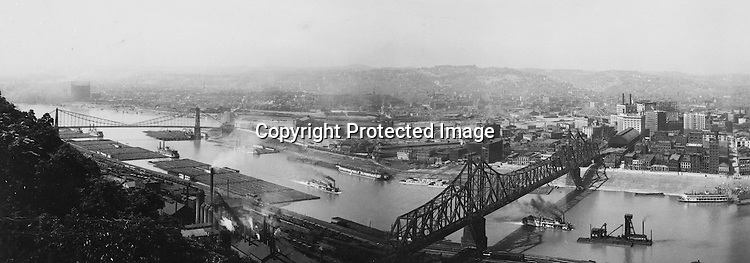 Pittsburgh PA - View of the city and the Wabash Railroad Bridge from Mount Washington - 1905.