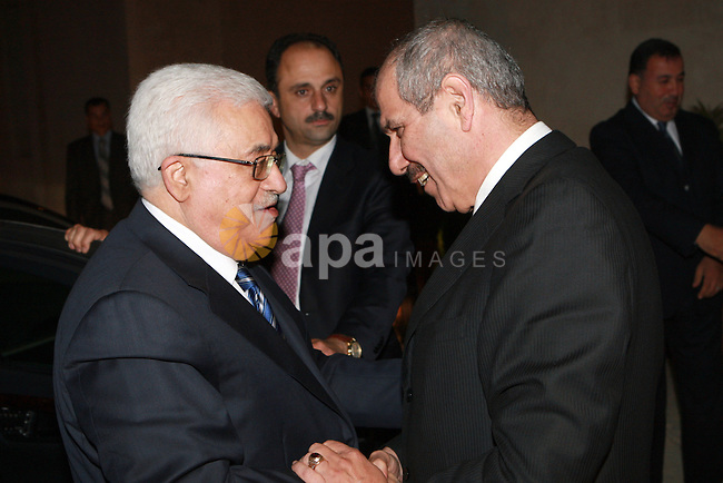 Palestinian President, Mahmoud Abbas (Abu Mazen)  meets with Jordanian Prime Minister Fayez Tarawneh, in Amman, on May 29,2012.  Photo by Thaer Ganaim