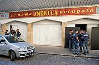 Roma  3 Settembre 2014<br /> Sgomberato dalle forze dell'ordine il Cinema America Occupato  a Trastevere. Occupato il 13 Novembre 2012  da un comitato di abitanti e giovani del quartiere dopo  14 anni di abbandono da parte della propriet&agrave;.<br /> Rome, September 3, 2014 <br /> Police evicted the Cinema America  occupied in Trastevere. Busy November 13, 2012 by a committee of residents and the youth of the district after 14 years of neglect on the part of the property.