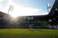 FUSSBALL   1. BUNDESLIGA   SAISON 2011/2012   27. SPIELTAG SV Werder Bremen - FC Augsburg                        24.03.2012 Weser Stadion im Gegenlicht