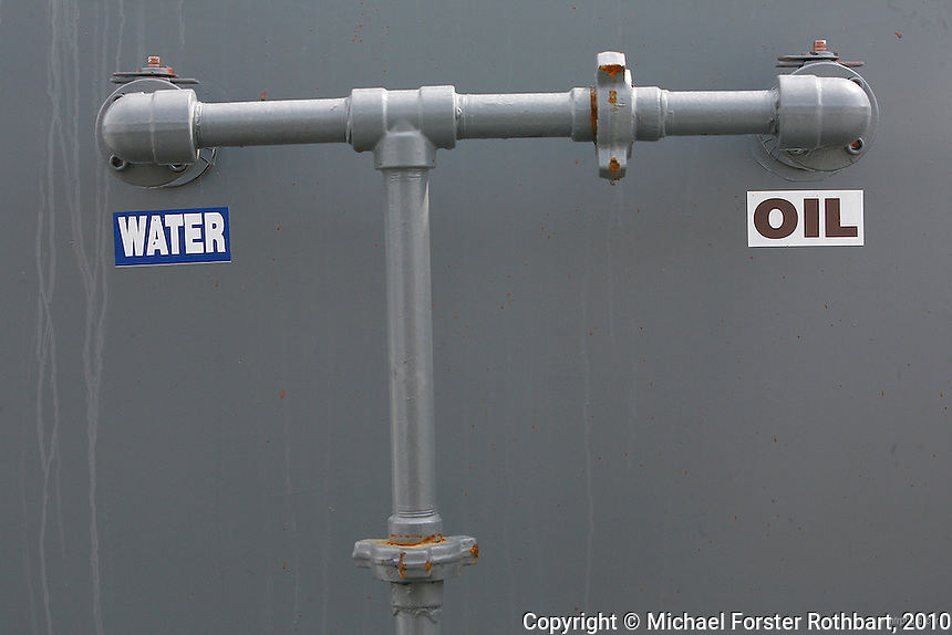 PA_Dimock_gas_well_pad10_68961x.JPG | Michael Forster ...
