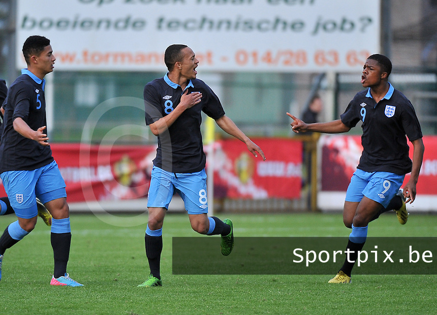 Belgium U19 - England U19 : Lewis Baker (8) celebrating his late equalizer for England 1-1 with Chuba Akpom (right).foto DAVID CATRY / Nikonpro.be
